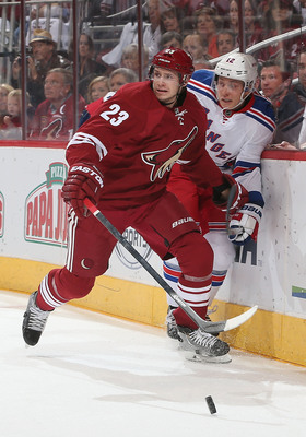 Hi-res-183071490-oliver-ekman-larsson-of-the-phoenix-coyotes-checks_display_image