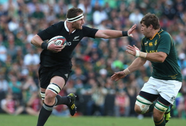 183167003-kieran-read-of-the-all-blacks-holds-off-willem-alberts_crop_650x440