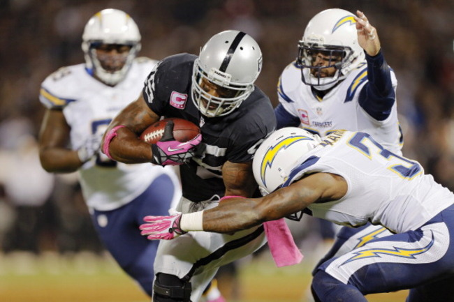 183488226-fullback-marcel-reece-of-the-oakland-raiders-picks-up-a_crop_650
