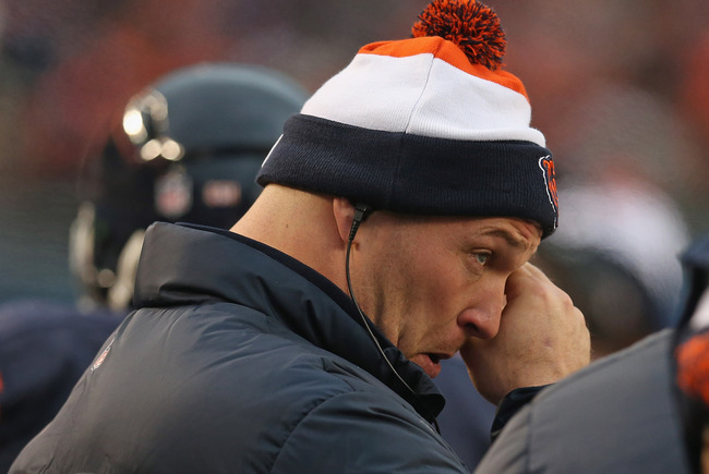 Hi-res-158447456-brian-urlacher-of-the-chicago-bears-stands-on-the_crop_650