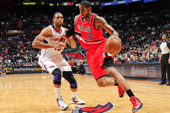 Hi-res-164354387-lamarcus-aldridge-of-the-portland-trail-blazers-drives_display_image