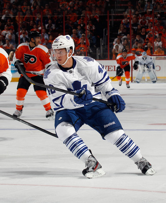 Hi-res-182991885-tyler-bozak-of-the-toronto-maple-leafs-skates-against_display_image