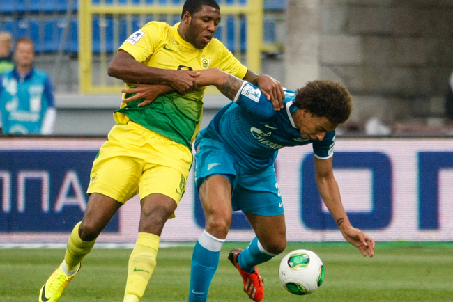 Hi-res-176704770-axel-witsel-of-fc-zenit-st-petersburg-vies-for-the-ball_crop_650