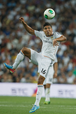 Hi-res-179551229-carlos-casemiro-of-real-madrid-cf-controls-the-ball_display_image