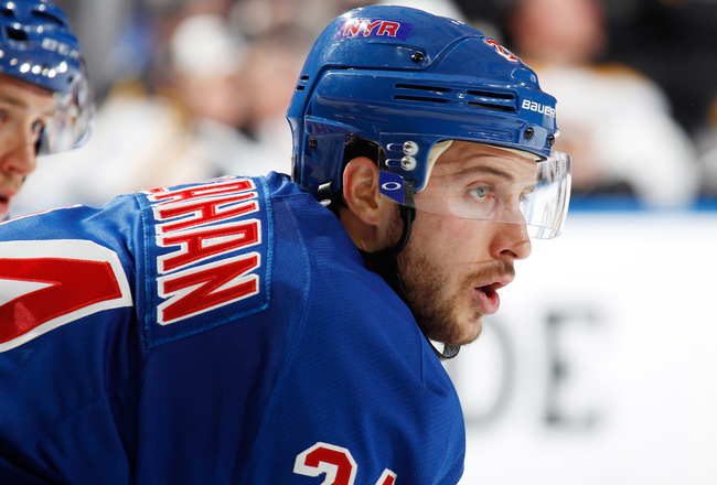 Hi-res-169326235-ryan-callahan-of-the-new-york-rangers-faces-off-against_crop_650x440
