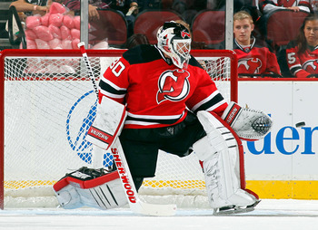 Hi-res-183126319-martin-brodeur-of-the-new-jersey-devils-makes-a-save_display_image