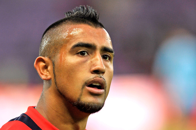 Hi-res-180300456-arturo-vidal-of-chile-looks-on-prior-to-the-spain-v_crop_650