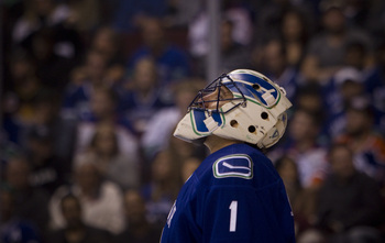 Hi-res-183196681-goaltender-roberto-luongo-of-the-vancouver-canucks_display_image