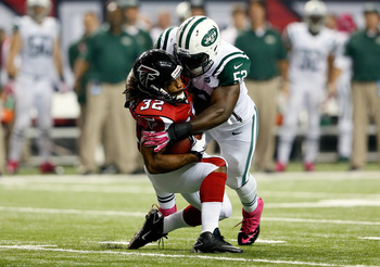 Hi-res-183602910-running-back-jacquizz-rodgers-of-the-atlanta-falcons-is_display_image