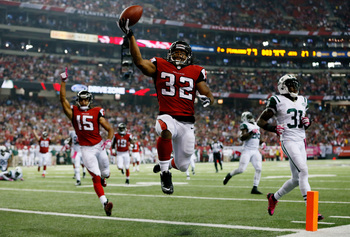Hi-res-183603620-running-back-jacquizz-rodgers-of-the-atlanta-falcons_display_image