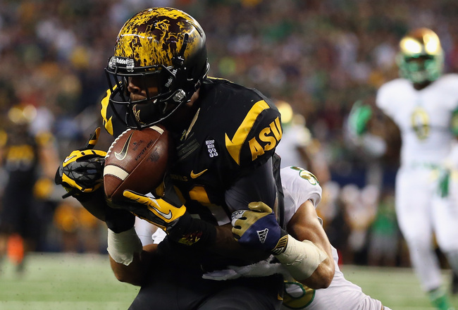 Hi-res-183192239-jaelen-strong-of-the-arizona-state-sun-devils-makes-a_crop_650x440