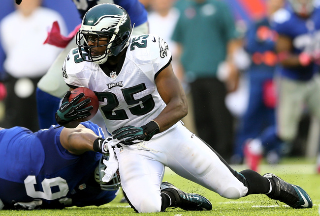 Hi-res-183457362-lesean-mccoy-of-the-philadelphia-eagles-tries-to-get-a_crop_650x440
