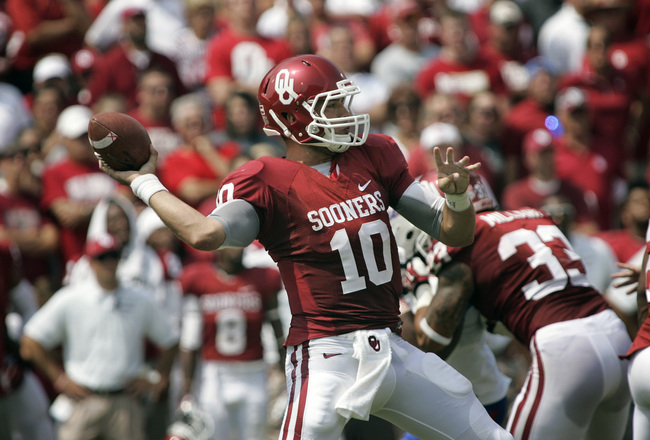 Hi-res-180549350-quarterback-blake-bell-of-the-oklahoma-sooners-looks-to_crop_650x440