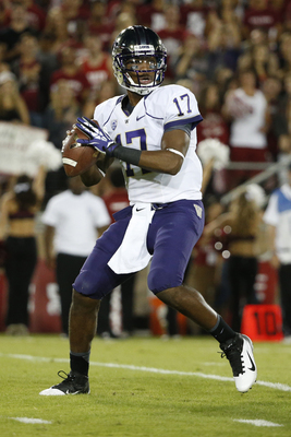 Hi-res-183201403-quarterback-keith-price-of-the-washington-huskies_display_image