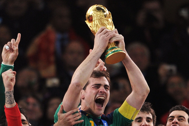 Hi-res-102812184-iker-casillas-captain-of-spain-and-the-spain-team_crop_650