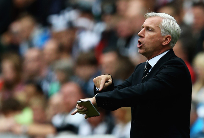 Hi-res-177582807-alan-pardew-manager-of-newcastle-united-gives-out_crop_650x440