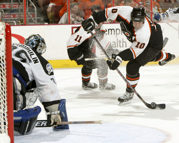Hi-res-50842013-john-leclair-of-the-philadelphia-flyers-takes-a-shot_display_image