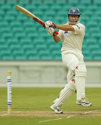 Hi-res-2823953-michael-bevan-of-the-blues-hits-four-runs-during-the-pura_display_image