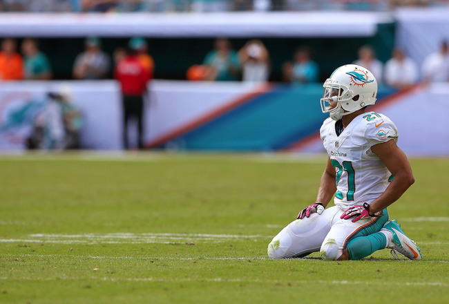 Hi-res-183457042-brent-grimes-of-the-miami-dolphins-reacts-to-a-play_crop_650x440