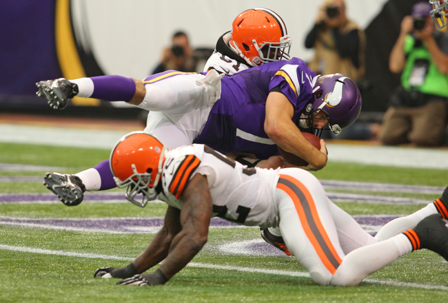 Hi-res-181574894-christian-ponder-of-the-minnesota-vikings-dives-into_crop_650x440