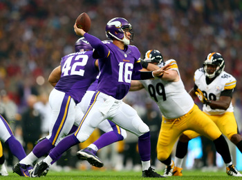 Hi-res-182294910-quarterback-matt-cassel-of-the-minnesota-vikings-throws_display_image