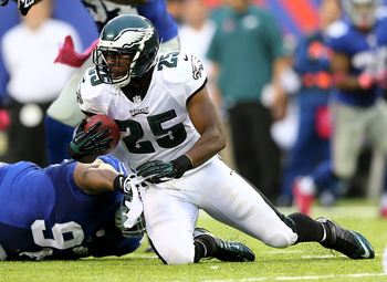 Hi-res-183457362-lesean-mccoy-of-the-philadelphia-eagles-tries-to-get-a_display_image