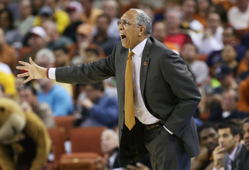 Hi-res-164567368-head-coach-tubby-smith-of-the-minnesota-golden-gophers_display_image