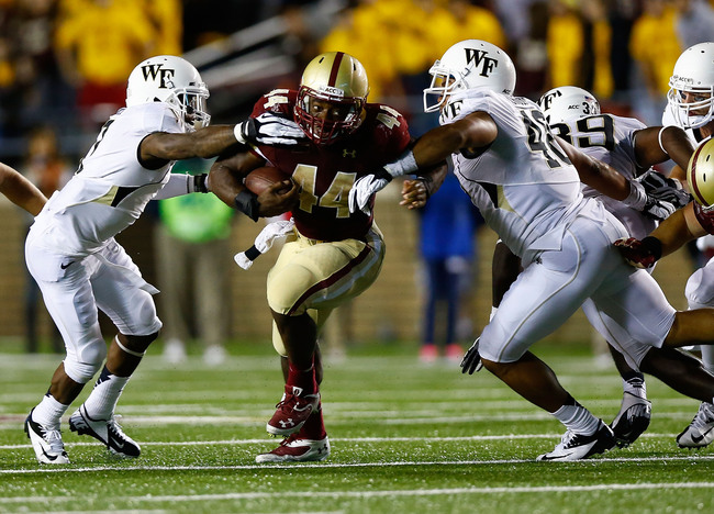 Hi-res-179771615-andre-williams-of-the-boston-college-eagles-runs-with_crop_650