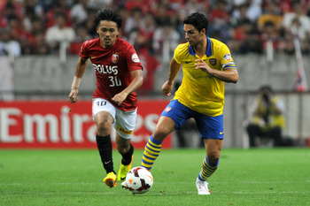 Hi-res-174475650-mikel-arteta-of-arsenal-in-action-during-the-pre-season_display_image