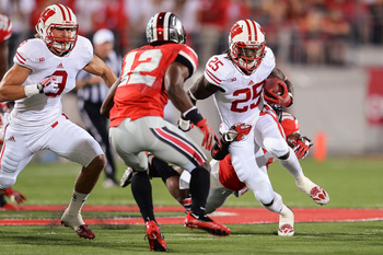 Hi-res-183572073-melvin-gordon-of-the-wisconsin-badgers-runs-with-the_display_image