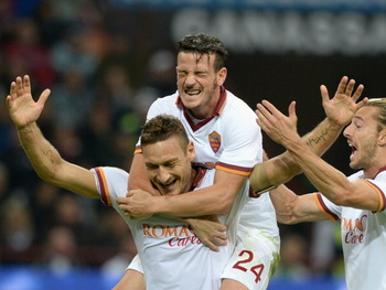 183178898-francesco-totti-of-as-roma-celebrates-his-goal-with_display_image