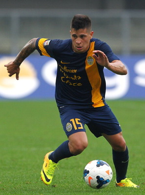 182988155-juan-manuel-iturbe-of-hellas-verona-fc-in-action-during_display_image