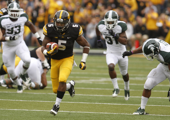 Hi-res-183163335-runningback-damon-bullock-of-the-iowa-hawkeyes-rushes_display_image