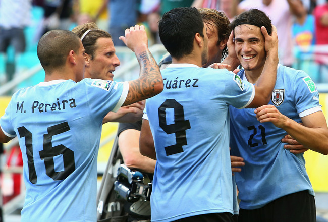 Hi-res-171980060-edinson-cavani-of-uruguay-celebrates-with-his-team_crop_650x440