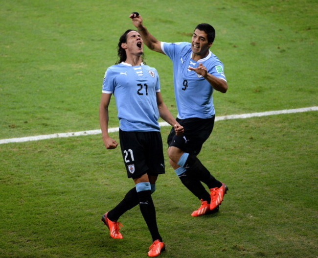 171559534-edinson-cavani-of-uruguay-celebrates-scoring-his-teams_crop_650