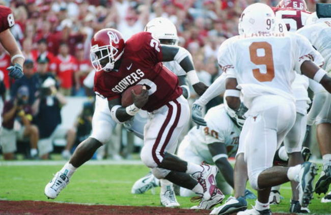 1679287-running-back-kejuan-jones-of-the-oklahoma-sooners-stands_crop_650