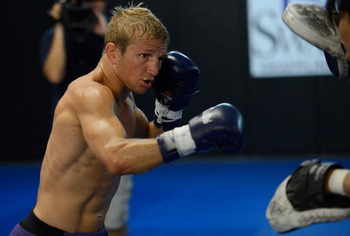 147176875-dillashaw-works-out-for-the-media-during-the-team-alpha_display_image