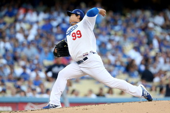 183472239-pitcher-hyun-jin-ryu-of-the-los-angeles-dodgers-pitches_display_image