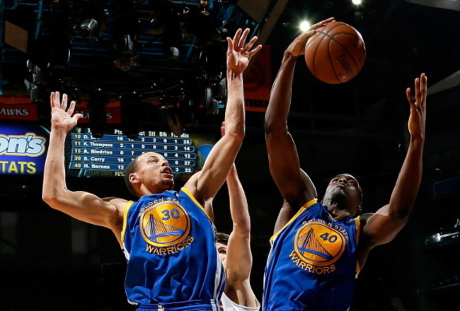 158408162-harrison-barnes-and-stephen-curry-of-the-golden-state_crop_650x440