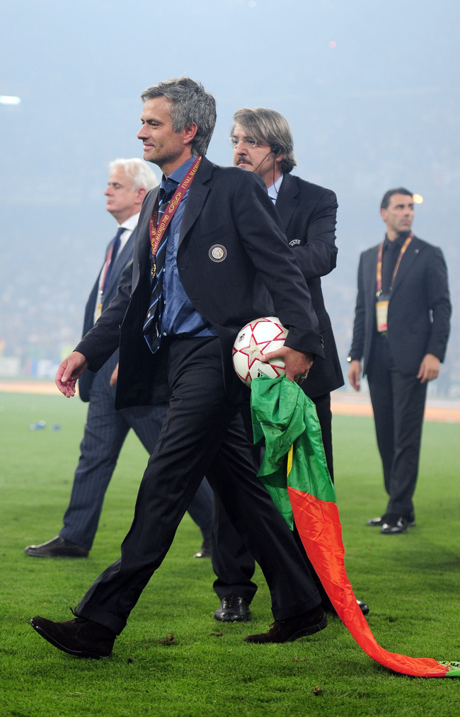 Hi-res-100336445-head-coach-jose-mourinho-of-inter-milan-celebrates_crop_650