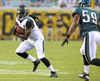 178272585-denard-robinson-of-the-jacksonville-jaguars-runs-with_display_image