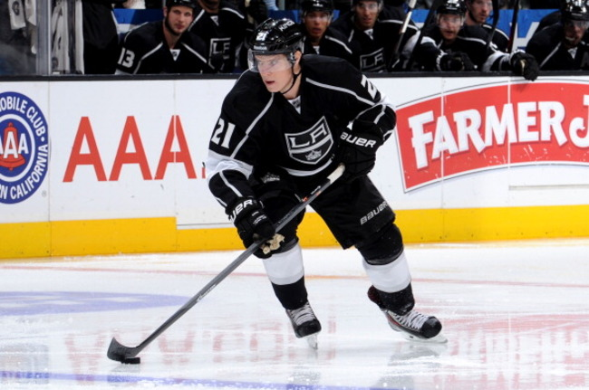 183704573-matt-frattin-of-the-los-angeles-kings-skates-with-the_crop_650