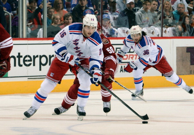 183672437-derick-brassard-of-the-new-york-rangers-skates-the-puck_crop_650