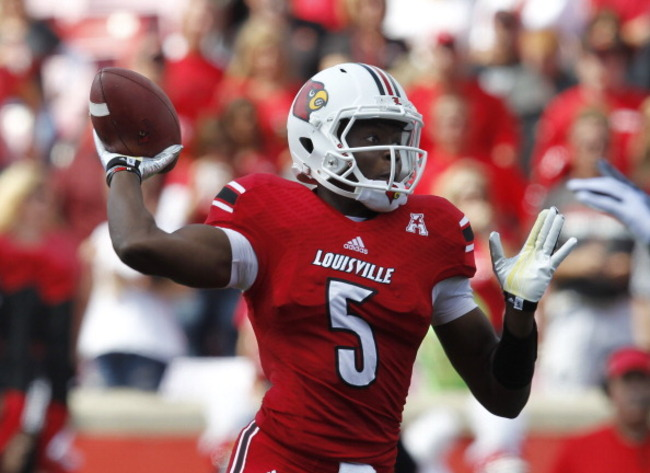 181450426-teddy-bridgewater-of-the-louisville-cardinals-throws-a_crop_650