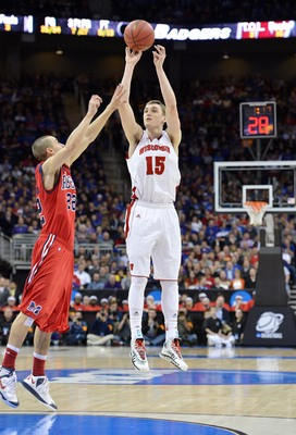 Wisconsin's Sam Dakker (No. 15) shot 39.1 percent from distance as a freshman.