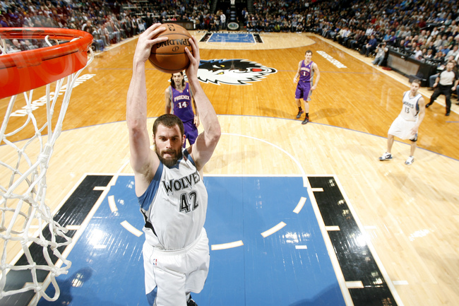 Hi-res-158804331-kevin-love-of-the-minnesota-timberwolves-goes-to-the_crop_650
