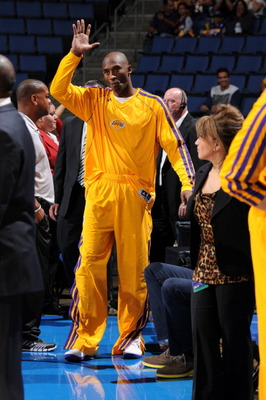 183674738-kobe-bryant-of-the-los-angeles-lakers-waves-to-the_display_image