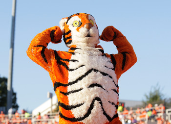 Hi-res-182221208-the-clemson-tiger-mascot-flexes-after-completing_display_image