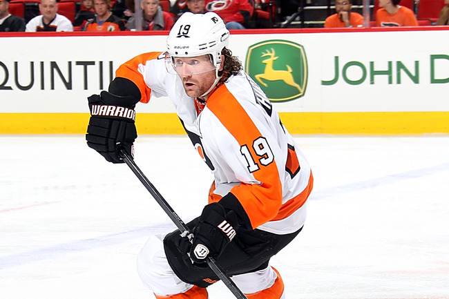 Hi-res-183707528-scott-hartnell-of-the-philadelphia-flyers-turns-up-ice_crop_650