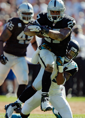 Hi-res-181681983-running-back-rashad-jennings-of-the-oakland-raiders_display_image